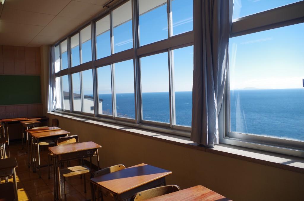 海の見える教室