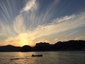 多々戸の夕日とおじいちゃんの船